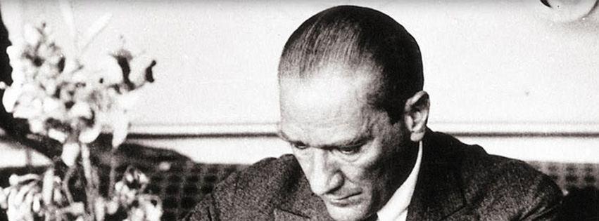 Atatürk çalışma odasında kapak fotoğrafları
