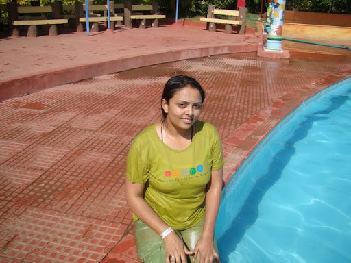 Indian Girl In Wet Clothes Showing Her Real Big Boobs-Hot Well-3033