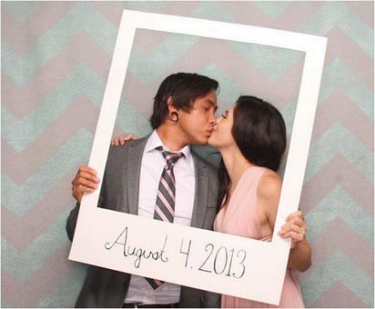 Idea fácil para photocall de boda.