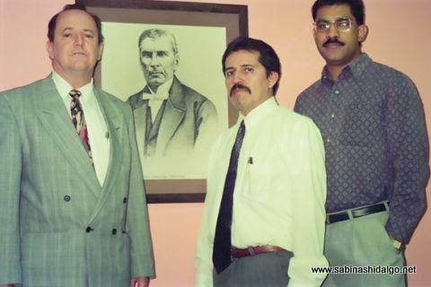 Historiadores Héctor Jaime Treviño, Jesús Ávila y César Morado