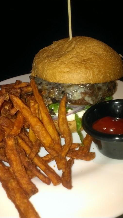 Veggie Burger-Cinebistro