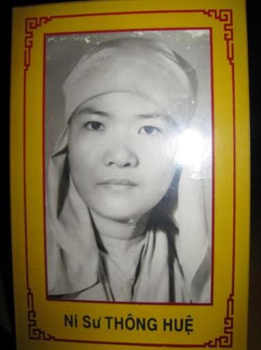 TIỂU SỬ THÁNH TỬ ĐẠO PHẬT GIÁO VIỆT NAM  NI CÔ THÍCH NỮ THÔNG HUỆ Nguyên Huynh Trưởng Gia Đình Phật Tử Việt Nam