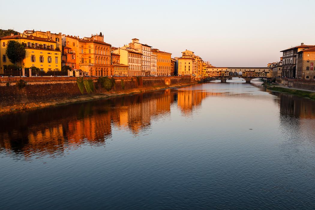 Флоренция - Освещенный солнцем Понте Веккьо