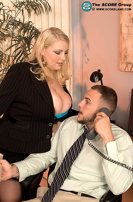 Scarlett Rouge_I Want The Position_1