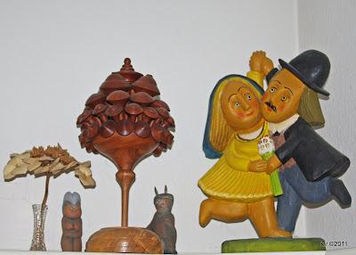 Korbblüte mit 'Tanzpaar' und Teufelchen