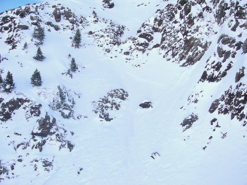 Avalanche Oisans, secteur Cîme de Cornillon, Commune de Livet Gavet - RD 1091 Combe des Torches - Photo 1