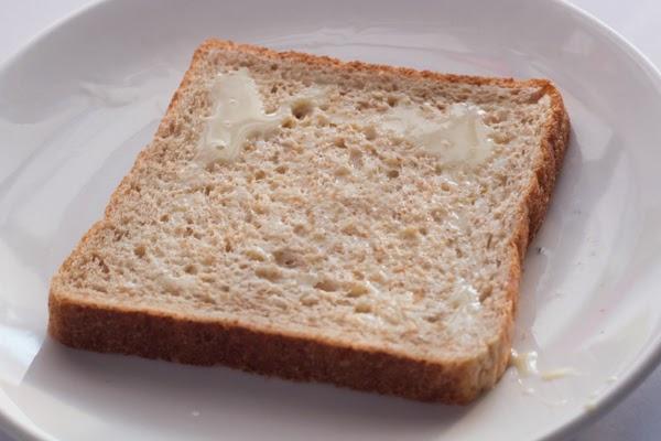 roti disapu susu pekat manis f&n