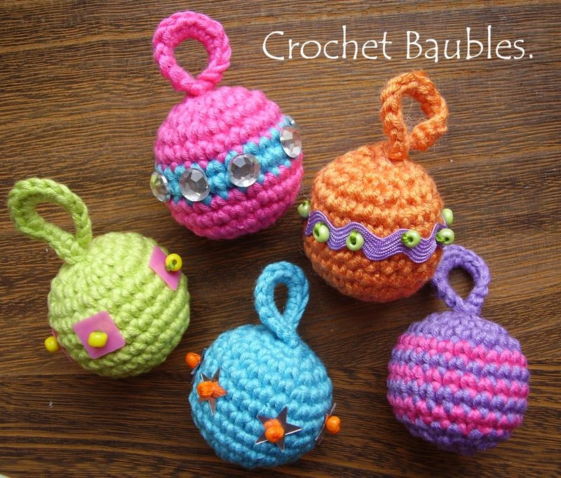 Free Crochet Pattern Christmas Bauble : 2000 Free Amigurumi Patterns: Free Crochet Pattern for ...
