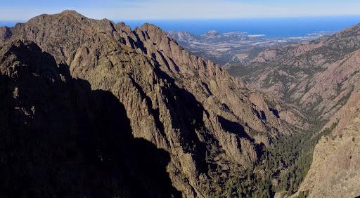 On domine la vallée de la montée de façon impressionnante...