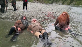 The Hobbit Production Video: Moving the crew