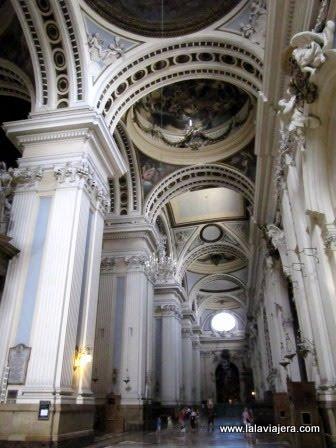 Interior de la Basílica dle Pilar de Zaragoza