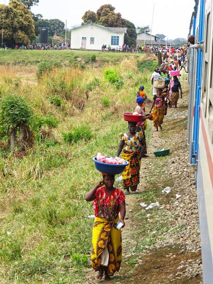 Atravessando a Tanzânia no COMBOIO TAZARA | Tanzânia