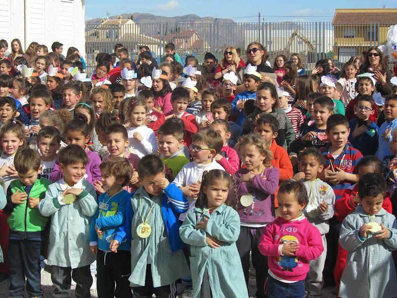 niños en el día de la paz