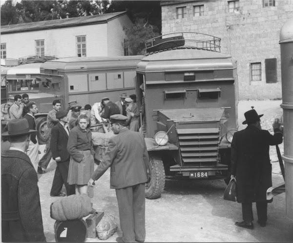 https://lh5.googleusercontent.com/-Ev5zVyv9lNk/T6pSKDVSeRI/AAAAAAAAZWU/XlG6ANfjf0E/s600/Armored-bus-e2-4.jpg