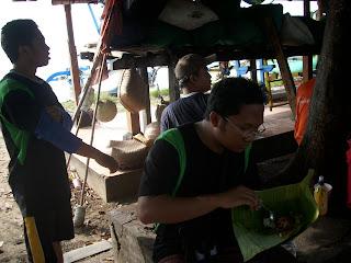 Nasi Bungkus Padang bay 2.jpg