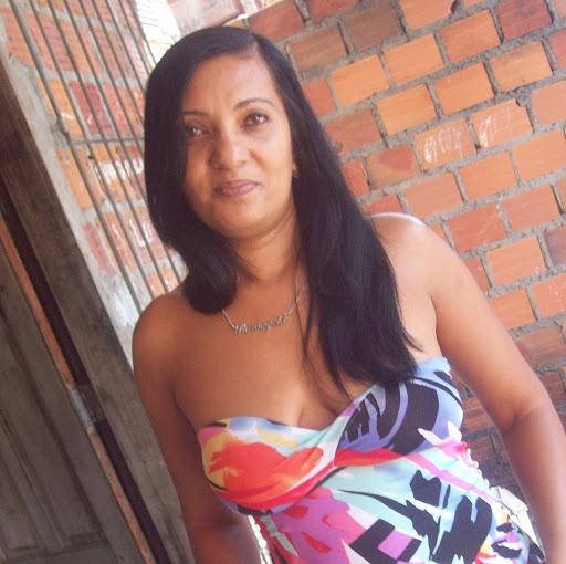 Rosa Leal