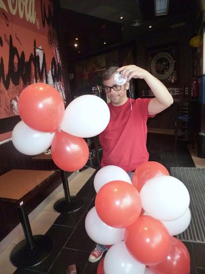 como-hacer-arco-decoracion-globos-10