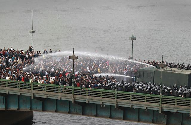 Egyptian Revolution شريف الحكيم Egypt_protest_29