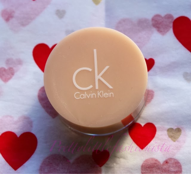 Calvin Klein Cream Eyeshadow in Snakeskin Silver