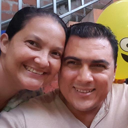 Carlos Menendez Photo 38