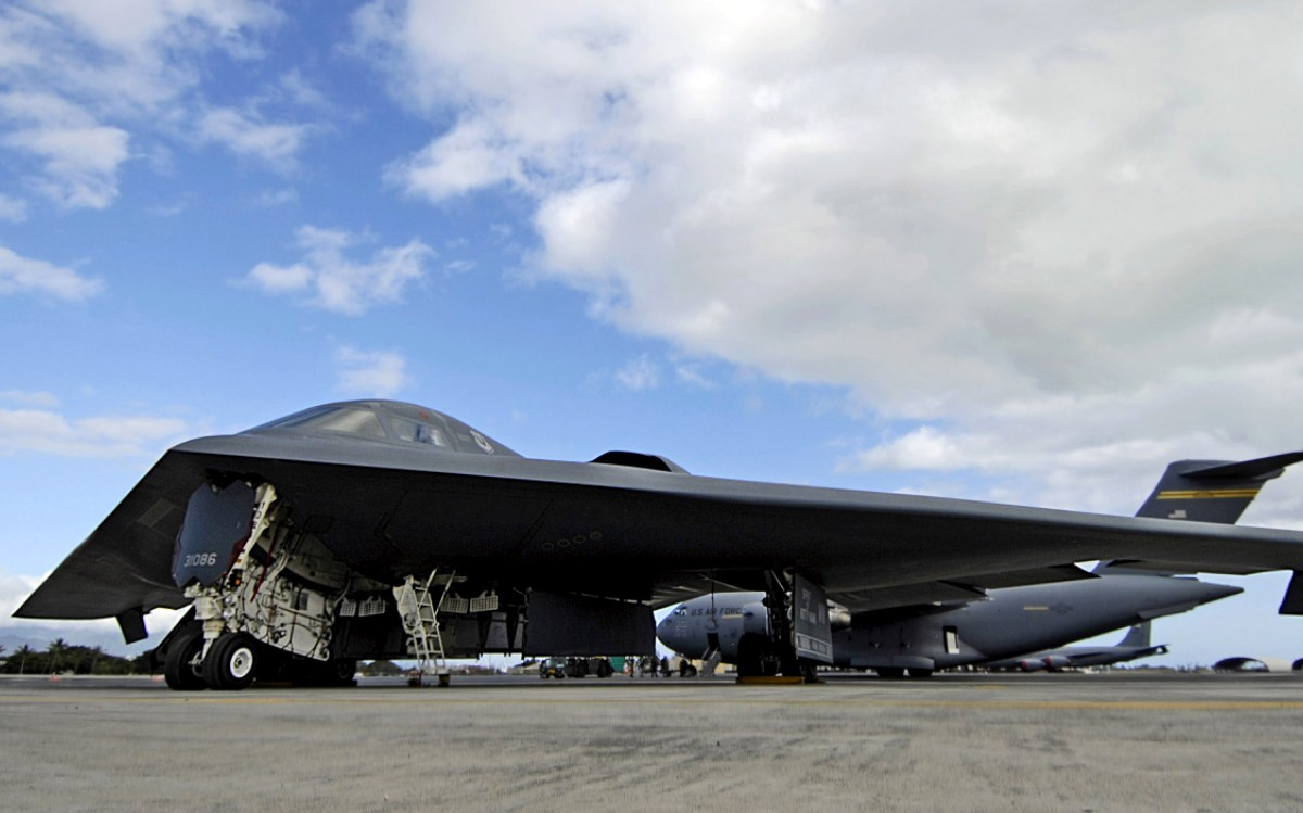 B-2 Spirit Bomber Aircraft wallpaper 3