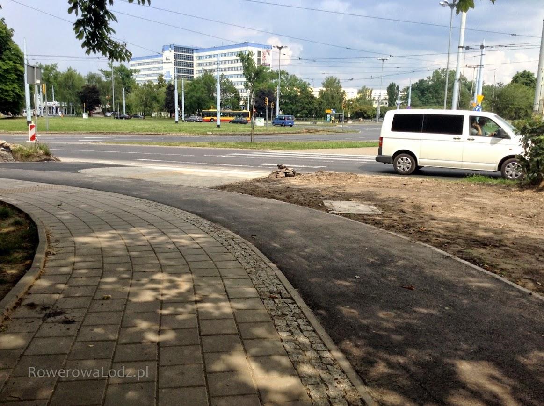 Rondo Lotników Lwowskich i szpital im. Kopernika w tle.