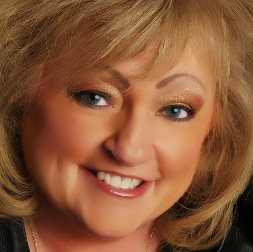 Debbie Babb Photo 16