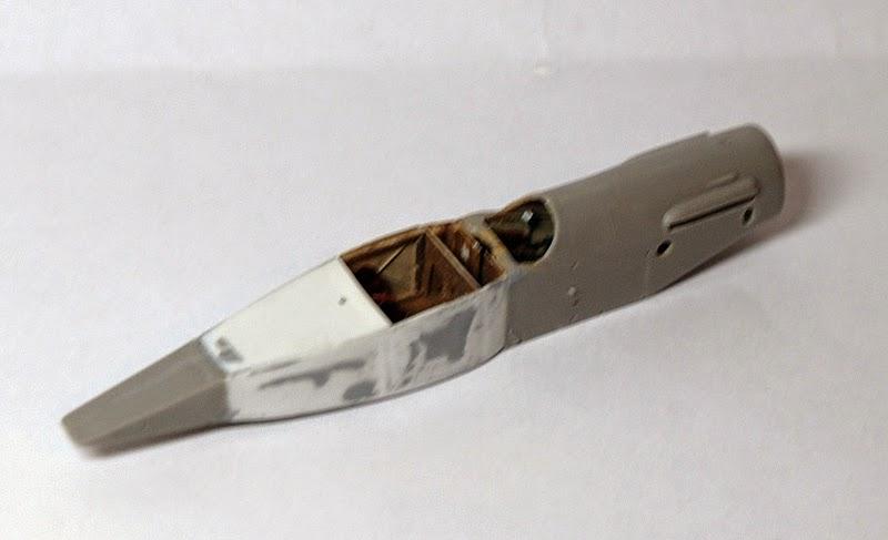 Bristol type 28 Tourer  ( 1/72 Roden )... fini!!! Fuselage1