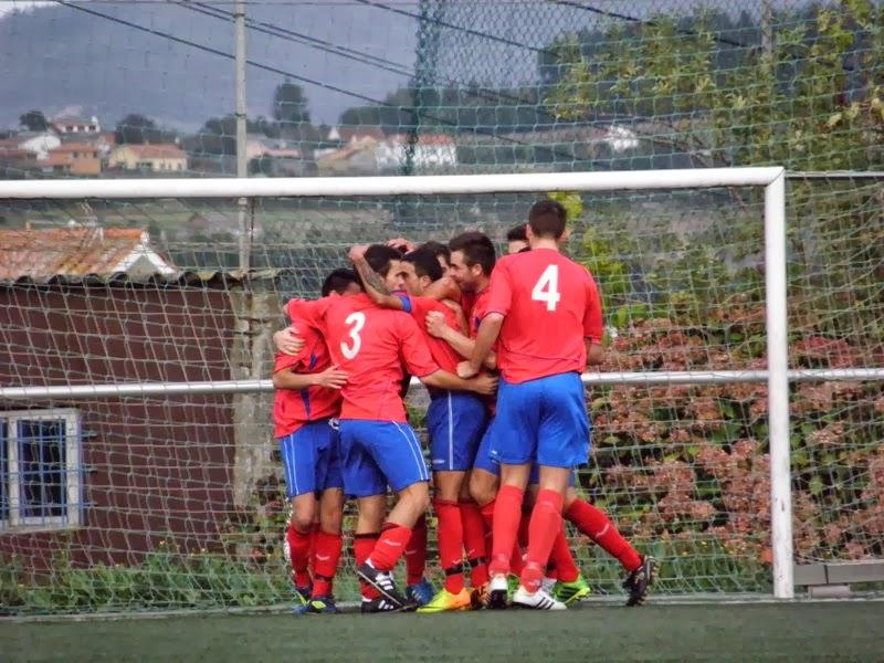Celebración do gol dos modestos fronte o Ortigueira