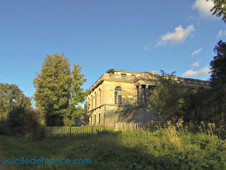 La villa des Brillants de Rodin  sur le chemin de la balade à vélo de Meudon à Sceaux par veloiledefrance.com