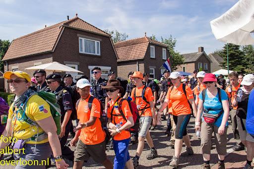 vierdaagse door cuijk 18-7-2014 (55).jpg