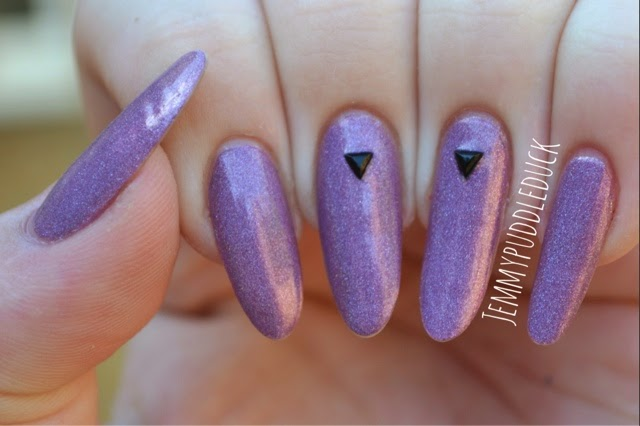 ILNP DREAMING IN VIOLET HOLOGRAPHIC HOLO POLISH NAIL VARNISH LACQUER