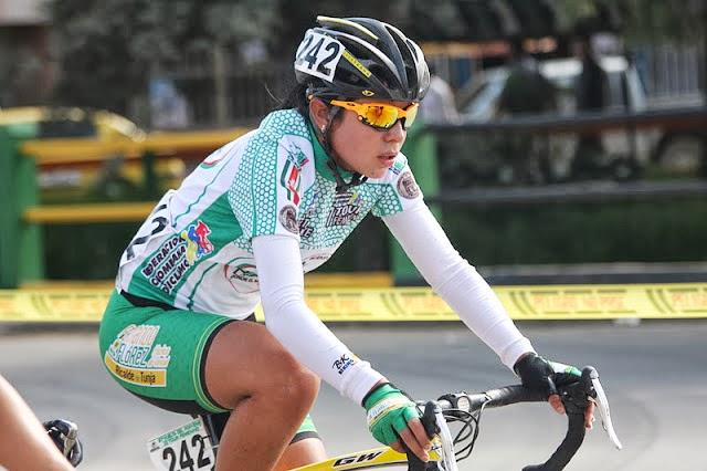 Lorena Colmenares. Ganadora de la Copa de Pista Colombia 2011, la boyacense, representó a Colombia en el Mundial de Ciclismo en Moscú en el año 2009.
