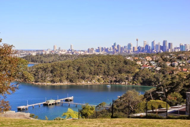 Chowder Bay, Clifton Gardens and the City backdrop