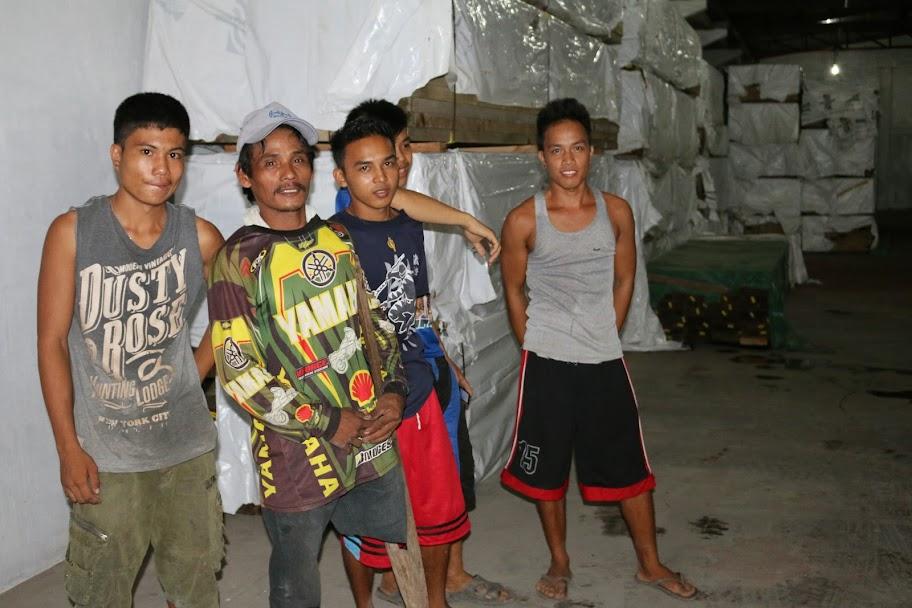 Meonilo, one-legged carpenter in Leyte