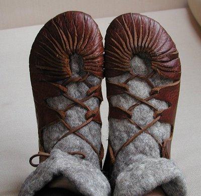 Cual consideran que es el mejor calzado para la salida? Como+hacer+zapatos+vikingos+chatitas+cuero+facil