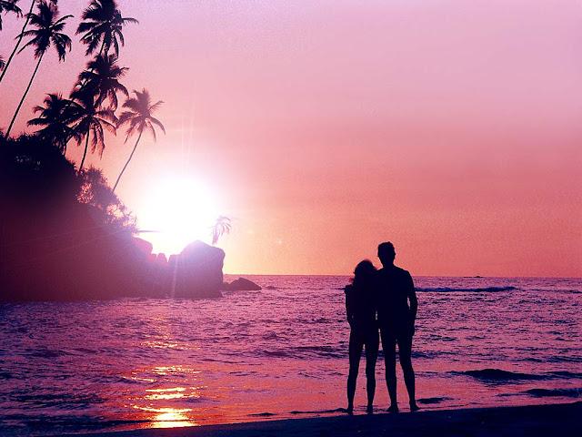 hình nền tình yêu bên bờ biển