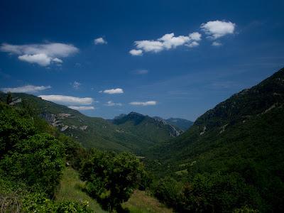 Vall d'Hortmoier, i al fons el Ferran