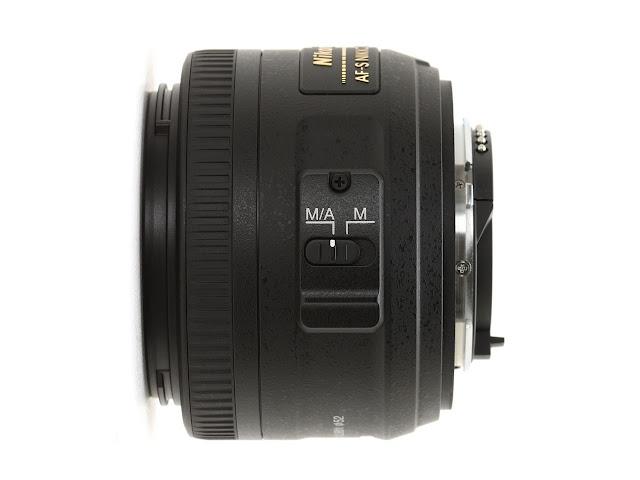 Nikon 35mm f/1.8G AF-S DX.