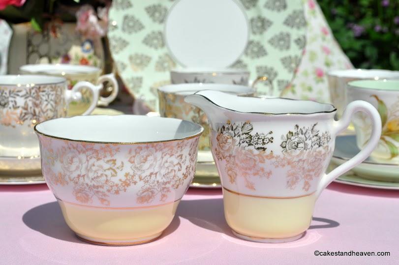 Balfour yellow and gold milk jug and sugar bowl