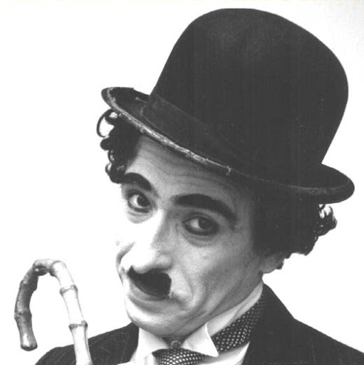 Charlie Chaplin Photo 28