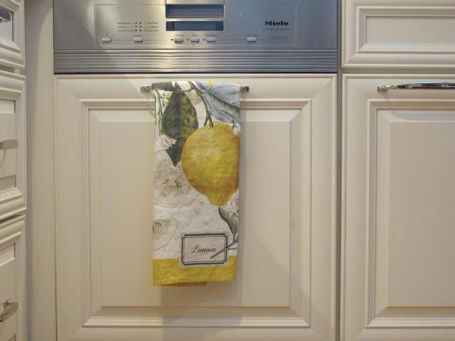 Conestoga Or 6 Square Cabinets