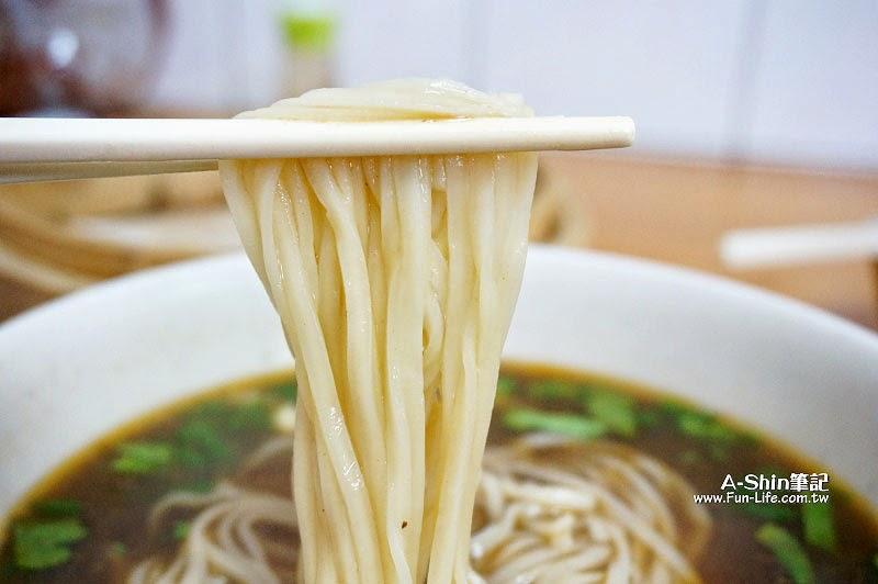 梧棲小吃推薦,民生蒸餃牛肉麵-8