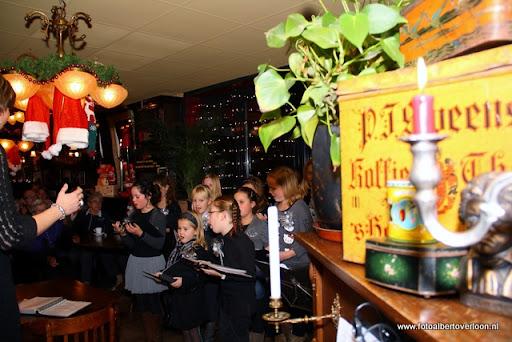concert in kerstsfeer met cantiloon en palet overloon 13-12-2011 (4).JPG