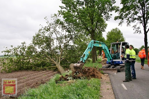 Noodweer zorgt voor ravage in Overloon 10-05-2012 (60).JPG