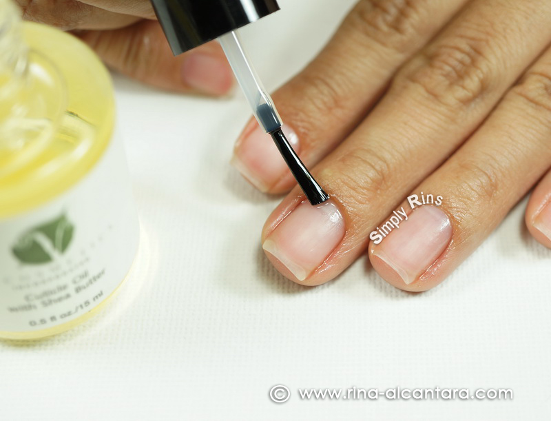 Applying cuticle oil