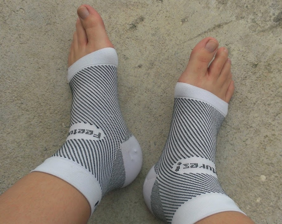 IMAG0211 Feetures! Socks Review and Giveaway