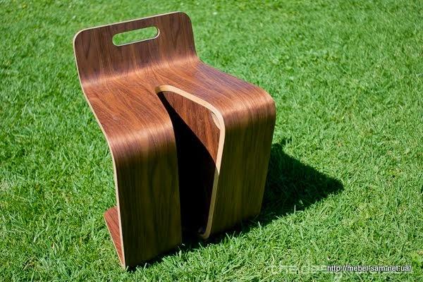 Фанерный стул - вид спереди