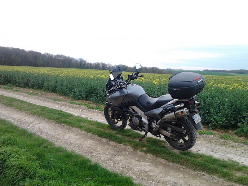 Vos plus belles photos de motos - Page 6 2011-04-05%25252018.06.20