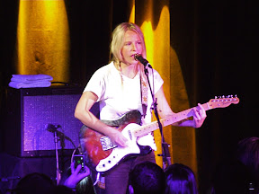Lissie Releases Cover of The Pretenders' '2000 Miles' as Free Download